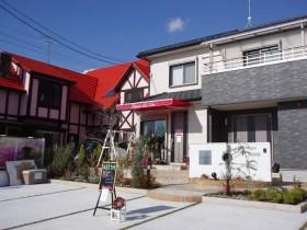 カフェ兼住宅の外構|双方への動線を確保