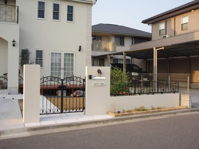 輸入住宅に似合う外構を (2)